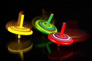 06 Spinning Tops